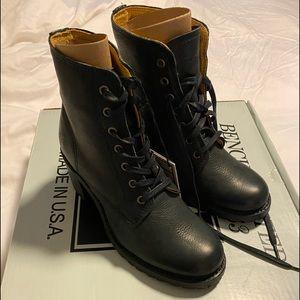 FRYE Sabrina 6G Lace Up Boots Size 6.5. BNIB!